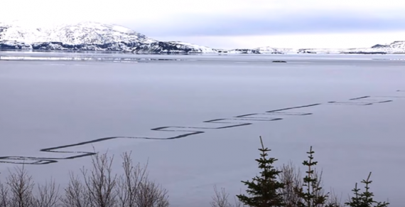 Iceland Locals Are Baffled By A 1.25 Mile Geometric Pattern Across Their Largest Lake