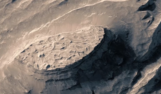 An Incredible Fictive Flight Above Real Mars!