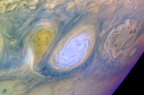 Scientist Begin Retrieving Data From Galileo After Close Call With Jupiter