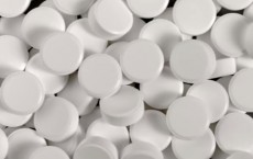 Study Suggests Low-Dose Aspirin May Lower Risk For Most Common Breast Cancer