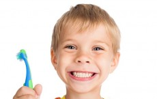 Toothpaste with Antibacterial Agent Reduces Plaque and Gingivitis