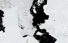 Geothermal Heat Accelerates Glacier Melting in Antarctic