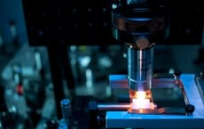 Scientists are developing high-brilliance laser beam sources, which enable the laser welding of plastics